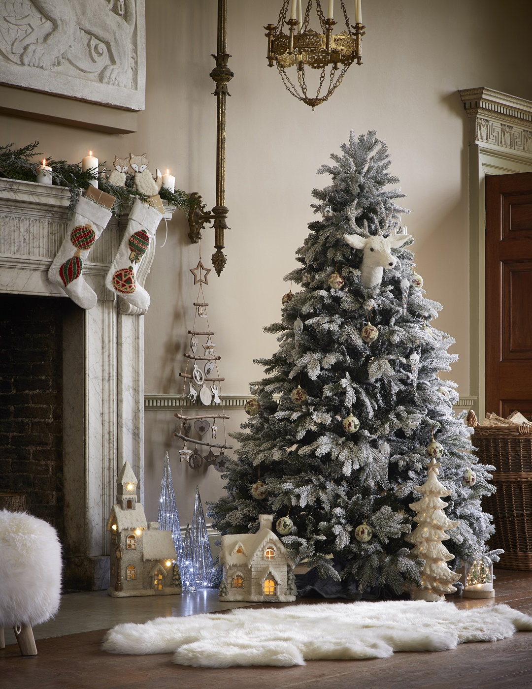 How To Create The Perfect Christmas Tree In 10 Easy Steps The